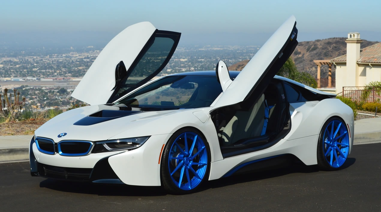 BMW I8 White Blue