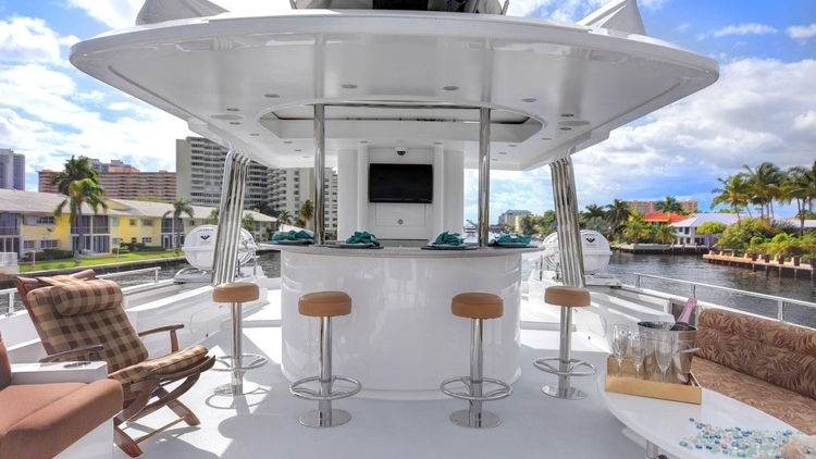 Flybridge / Upper deck Bar