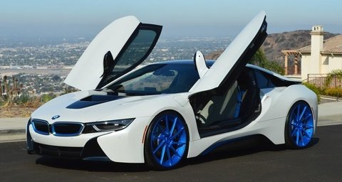 BMW i8 White & Blue