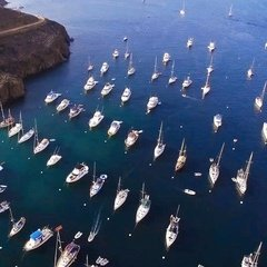 There are still a few mooring spots left for you to come to the Catalina Island this weekend.Book your yacht Now! + 1 (310) 584-7777 info@uniq.la UNIQ.LA