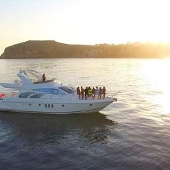 Sunset views at Paradise Cove from our remarkable 60 UNIQ Azimut Yacht, that comfortably fits up to 12 guests. Available for 4hr Half day or 8hr Full day Malibu cruises. More info at: www.UNIQ.LA. Reserve your Sunset Cruise Today!