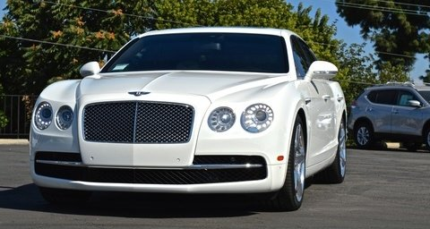 Bentley Flying Spur Pearl white